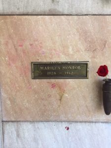 Lipstick on Marilyn Monroe's crypt